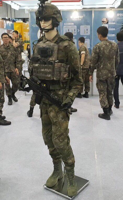 연말부터 지급 예정인 신형 군복 4.jpg