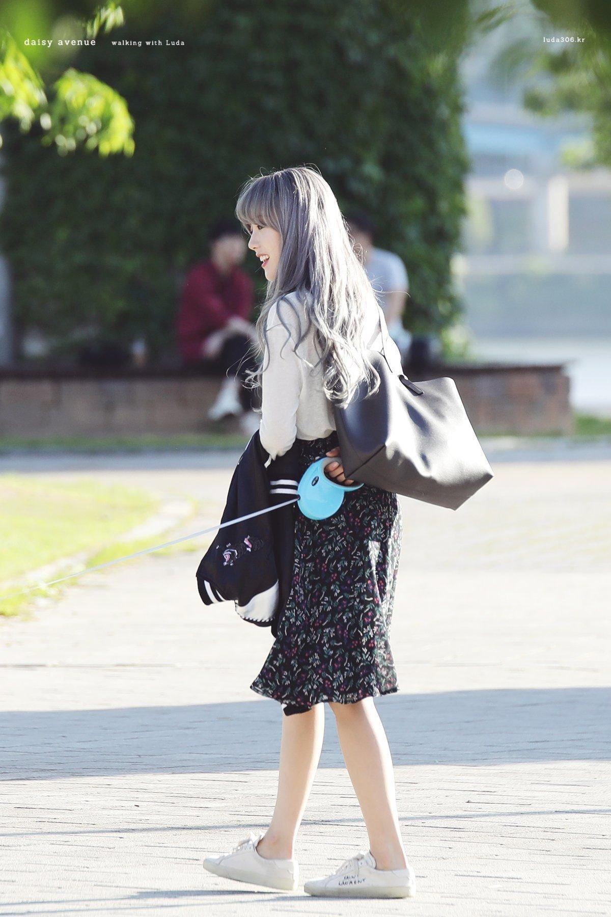 우주소녀 루다 사복 스타일링 28.JPG