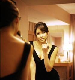 3fc44e5c0db 건강한 S라인 미녀로 인정받고 있는 현영의 몸매 또한 여성들이 현영의 스타 화보를 찾아보게 만드는 요인 중 하나라고 분석하기도 했는데요,